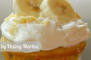 Banana cream pie cupcakes. Simple and delicious!