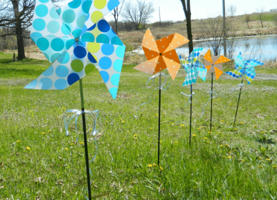 recycle vinyl placemat: outdoor pinwheel