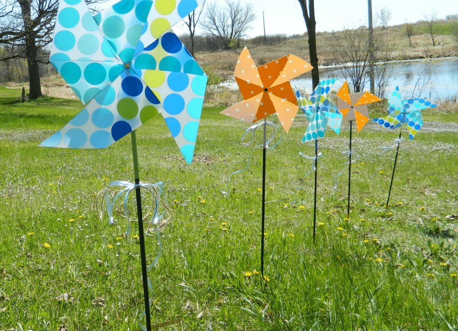 recycle vinyl placemat: outdoor pinwheel
