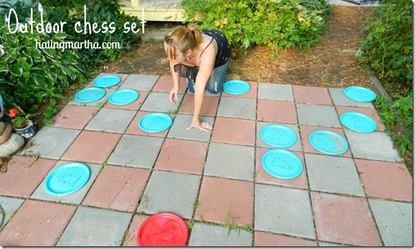 Outdoor giant chess set, a DIY from nelliebellie.com