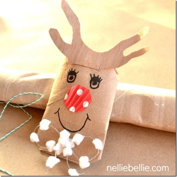 NellieBellie: make a reindeer DIY gift card holder from a paper towel or tp roll!