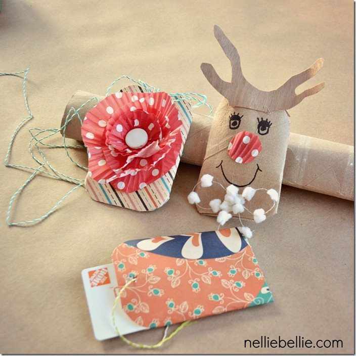 Easy diy gift card holders from toilet paper rolls a for Christmas card holder craft project