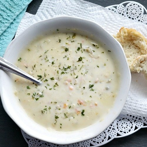 Delicious and easy clam chowder