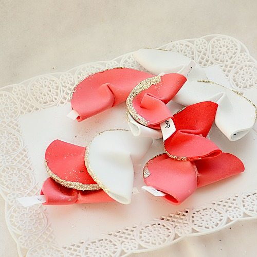 diy paper fortune cookies: a NellieBellie tutorial