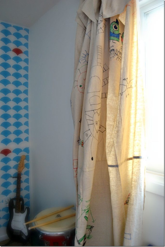 Drop cloth curtains a great kid 39 s room idea Great room curtain ideas