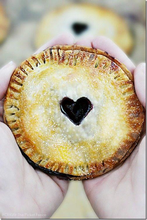 Nutella-and-Blackberry-Valentines-Day-Hand-Pie-3-625x937