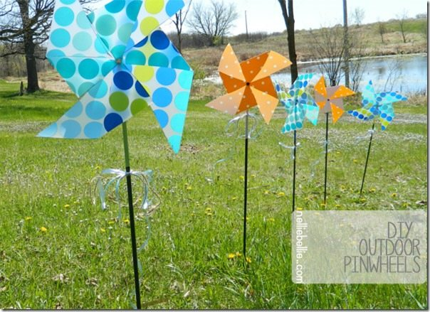 How to make DIY outdoor pinwheels with children! Easy peasy!