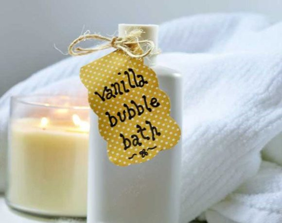 This vanilla homemade bath soak is a simple tutorial and a great beginner diy.