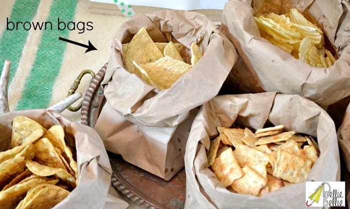use brown bags for serving at picnics and rustic parties!