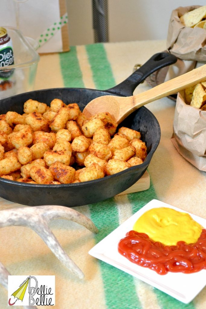 food in cast iron pans is charming and great for picnics and rustic parties!