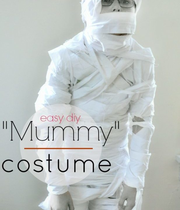 handmade halloween mummy costume from NellieBellie; simple, easy, and tons of fun! #mummy #halloween #costume