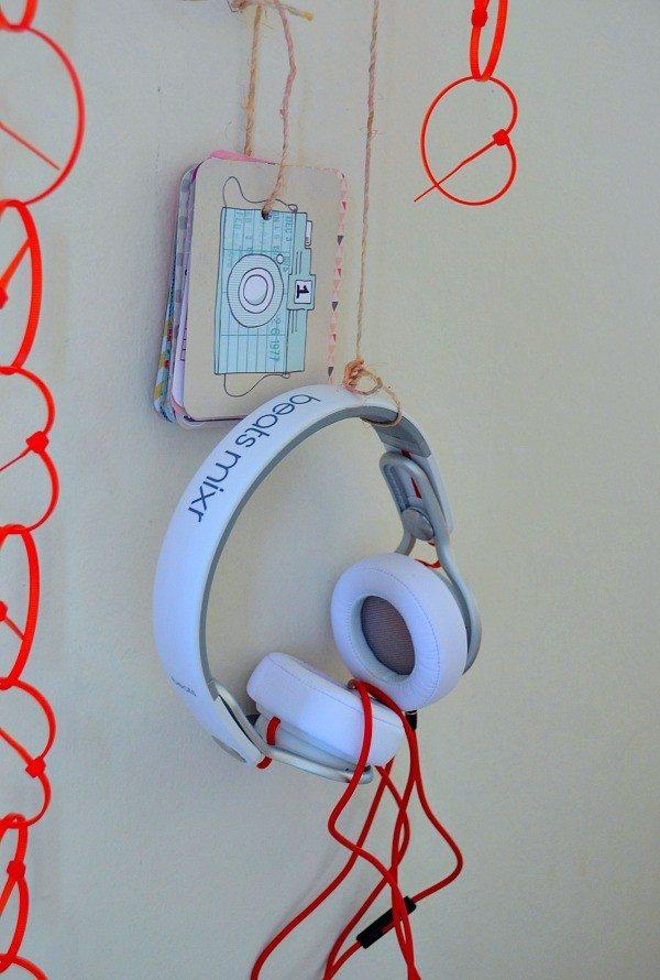 listening station2