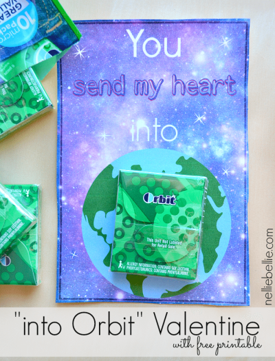 """Free printable for these adorable """"You send my heart into Orbit"""" gum Valentines cards for kids."""