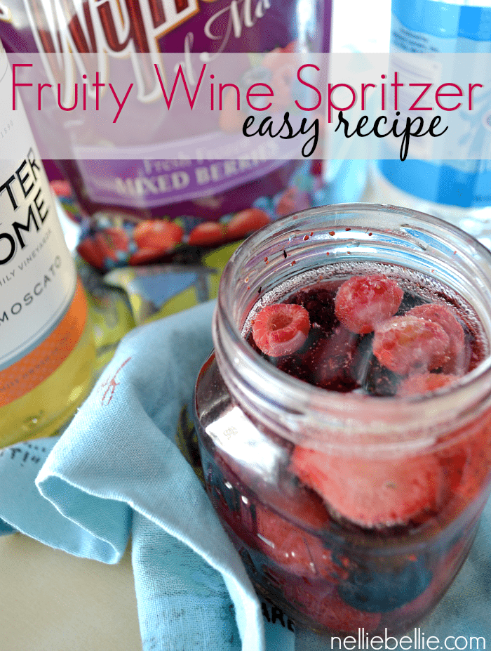 Wine Spritzer: Quick and Easy fruit version from NellieBellie