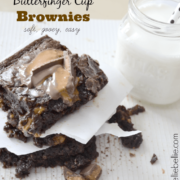 Simple and easy butterfinger brownies from nelliebellie.com