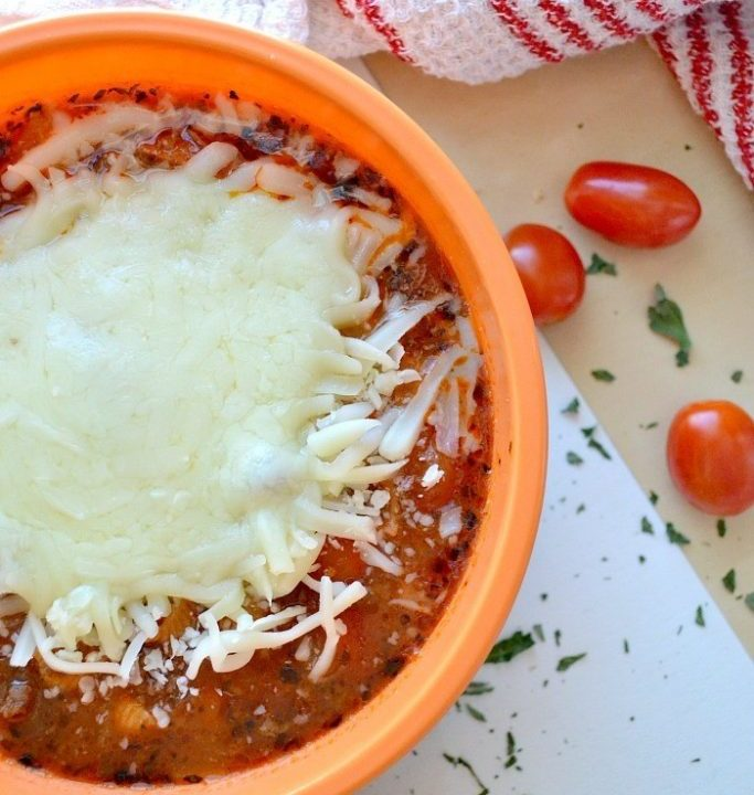 Quick and easy lasagna soup: and it is way healthier than eating lasagna!