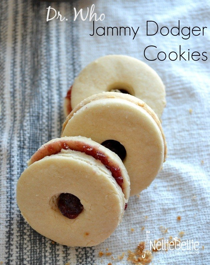jammy dodgers are a favorite in Great Britain and also of Dr. Who fans around the world | classic cookie recipe