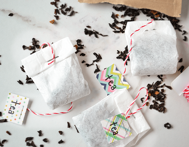 Make your own teabags from coffee filters. Easy to do and a great idea for when you want to use loose-leaf tea. Or a #gift idea! #tea #teabags #diy #tutorials