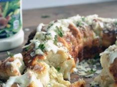 only 3 ingredients to make this delicious parmesean and ranch pull-apart bread!