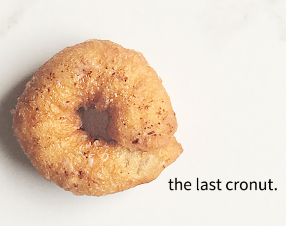 Cronut's are easy to make with this cheater way. And, this version has a little chocolate chip cookie tucked in. Yum! #chcolatechipcookiedoughcronuts #dessert
