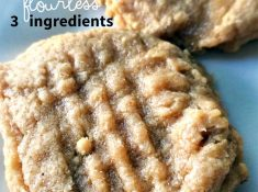 gluten-free peanut butter cookies from NellieBellie. These 3 ingredient cookies are simple, delicious and use just 1 bowl.