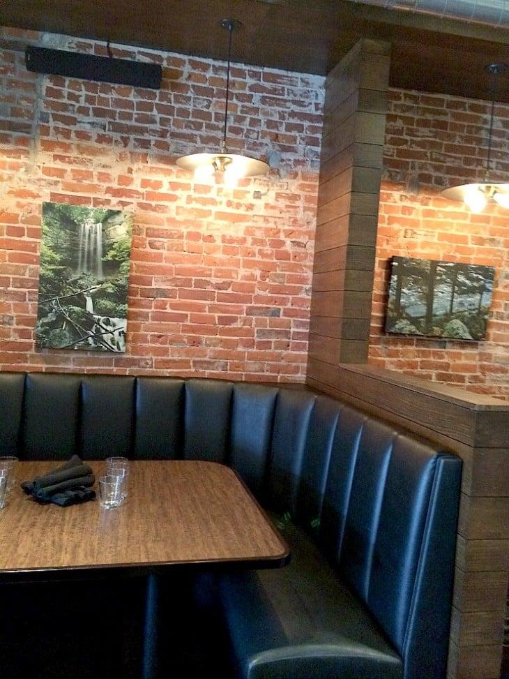 LOLOs American Kitchen | Stillwater, MN | restaurant review | NellieBellie #restaurant #burgers #Stillwater