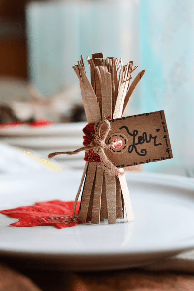 how to make a Cardboard tube haystack (a Thanksgiving project)