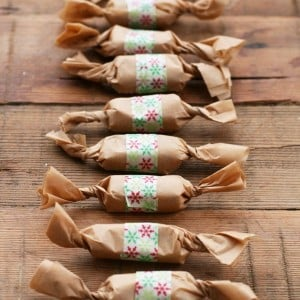 Make your own Cacao Nib Honey Caramels with this fantastic recipe for the tasty candies! Christmas candy, homemade caramel