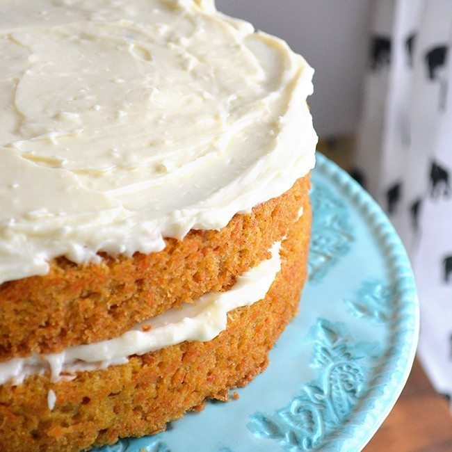 This simple carrot cake recipe is incredibly delicious!  4 other great classic cake recipes included.  basic cake, carrot,dessert, cake
