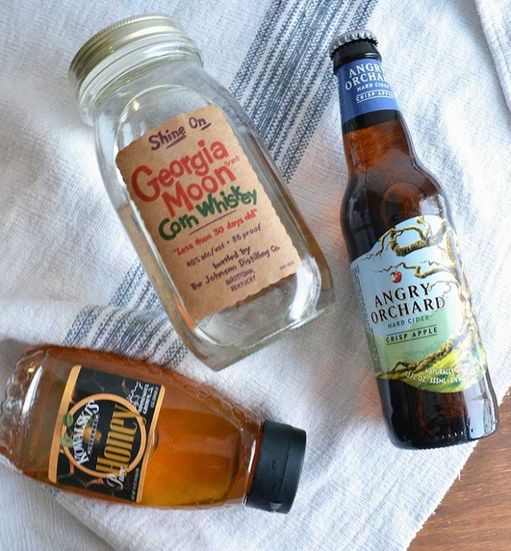 apple cider hot toddy. A gluten-free alcoholic drink that is easy to ...