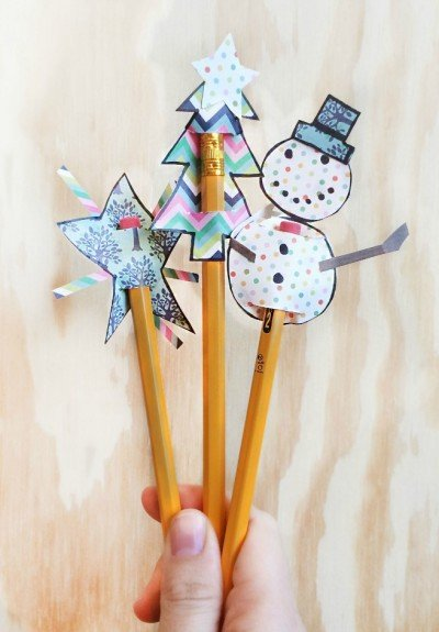 These festive pencil toppers are a fun and easy Christmas craft to make with kids in just a few minutes with only a couple supplies.
