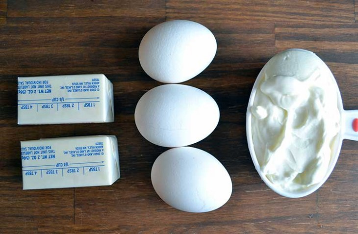 ingredients for the classic pound cake recipe