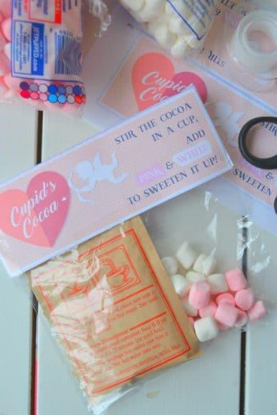 Quick & Easy Cupid's Cocoa (free printable)