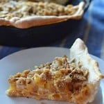 hearthy macaroni and cheese pizza is a fun twist on a favorite! A great pizza for family pizza night! This macaroni pizza recipe is simple and delicious!