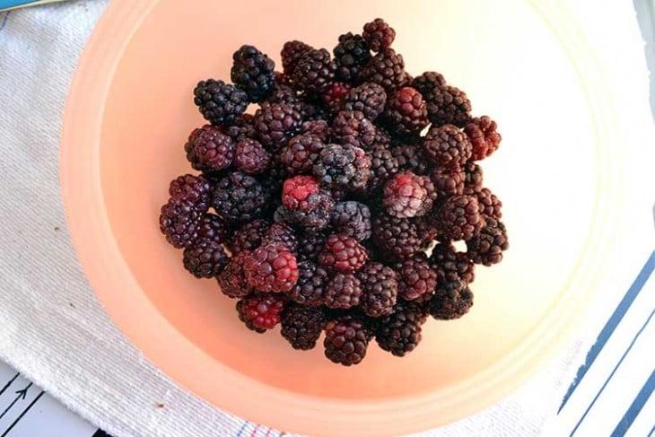 blackberry-whiskey-pie-step1