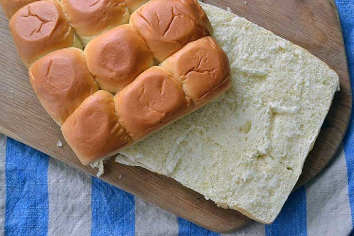 sliced hawaiian rolls are perfect for party sandwiches.
