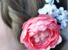 Make a sweet barrette for Easter or just because. This is fast, easy, and a great spring accessory!
