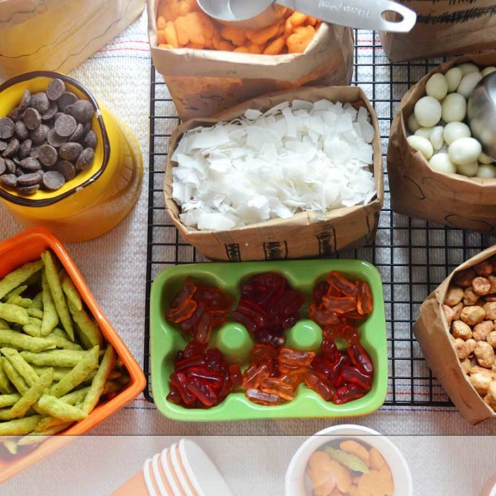 A snack mix bar is a great entertaining idea. Keep it easy and simple! #GoldfishTales #ad