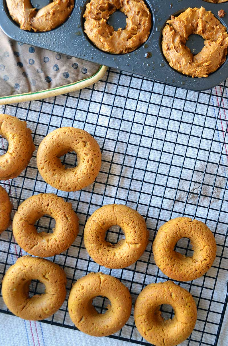 3 ingredient pumpkin chai donuts are super easy, fast, and delicious!