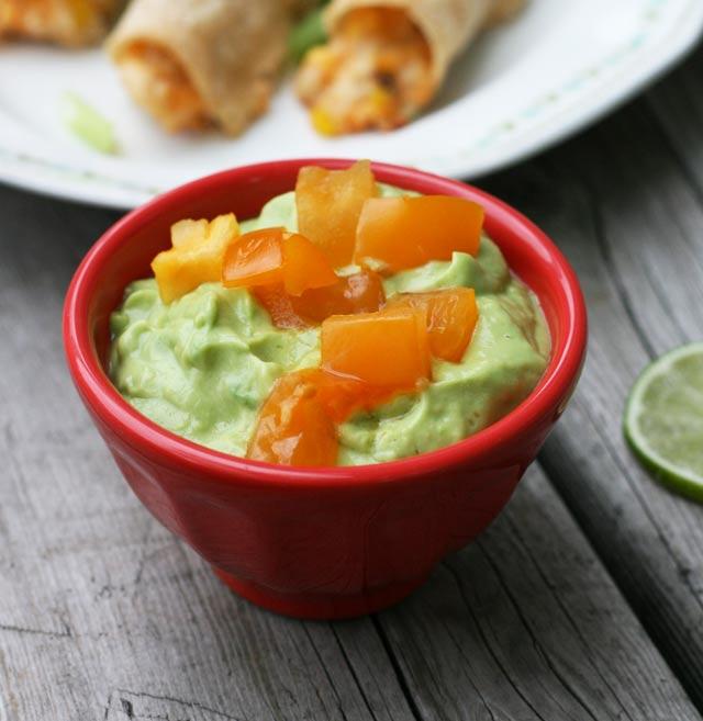 Avocado dipping sauce for chicken taquitos