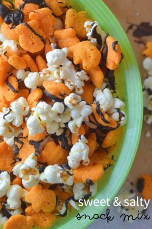 Sweet and salty snack mix featuring bacon cheddar Goldfish puffs (gluten-free) #GoldfishTales