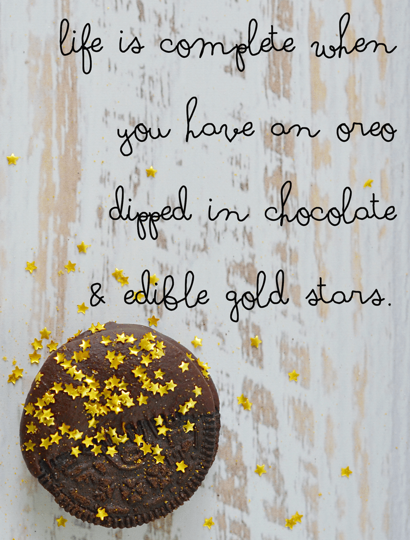 Chocolate Dipped oreos with edible starts | a nelliebellie recipe