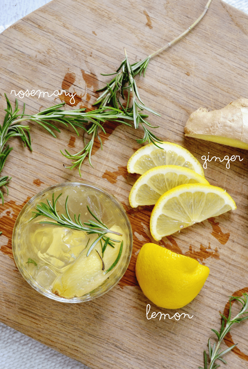 Rosemary Lemon Ginger Gin Cocktail is a great clean cocktail for your summer parties!