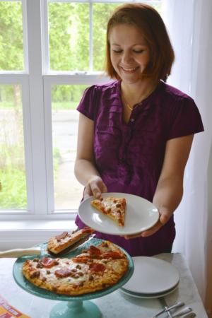 Have a Pizza party! Keep it easy, fun, and pretty. No fuss. #BigPizzeriaTaste #Pmedia #ad