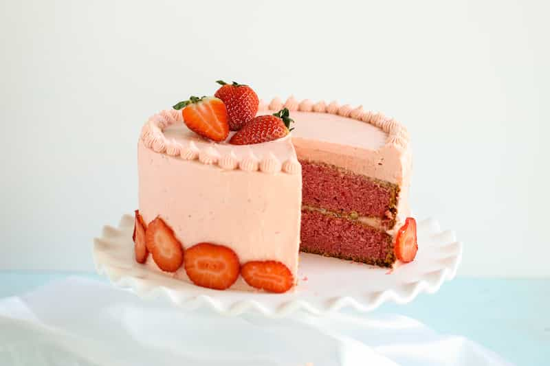 delicious homemade strawberry cake recipe