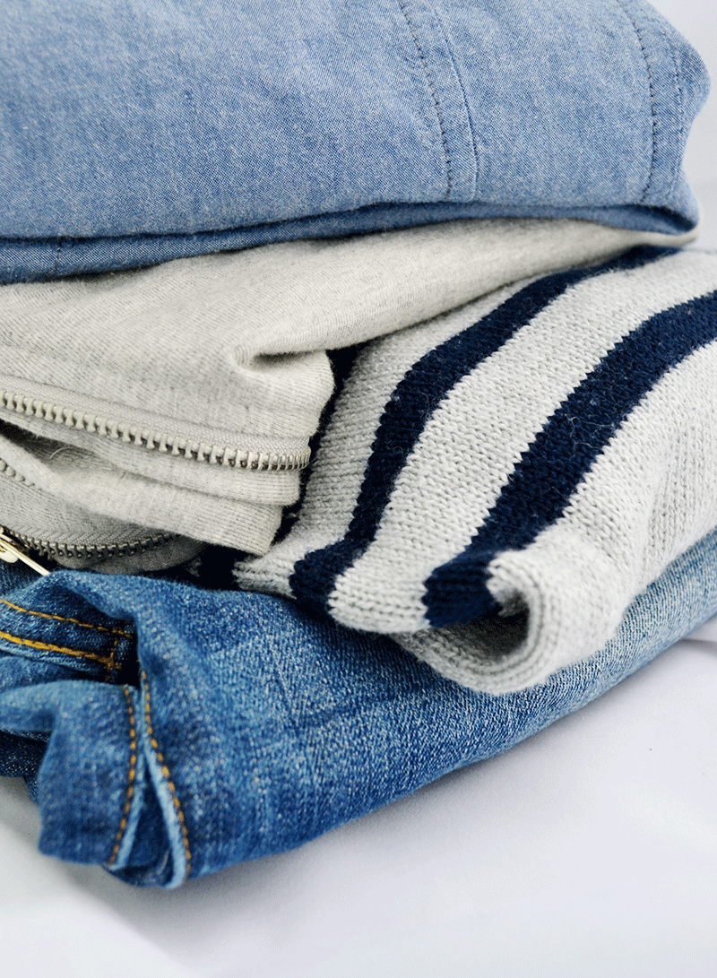In your capsule wardrobe, choosing a pallete of colors to use for everything makes it more streamlined as well as easier.
