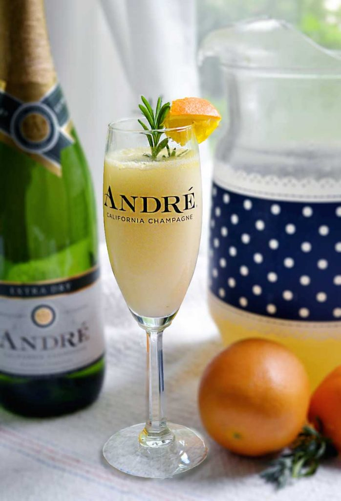 a lavender mimosa recipe perfect for a brunch, breakfast, or holiday!