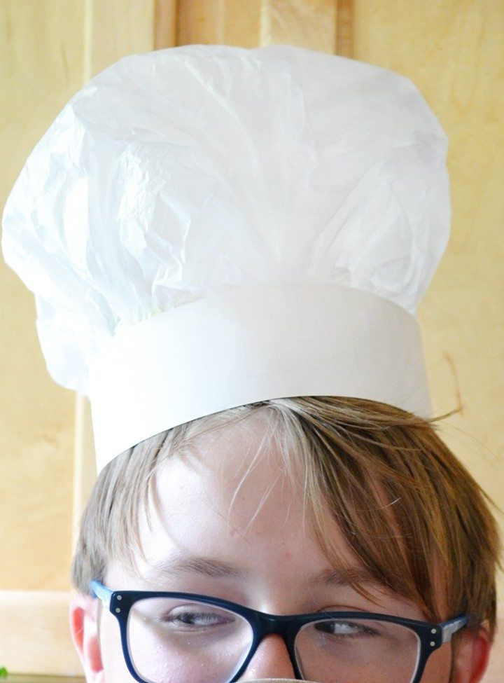 How to make a chefs hat out of tissue paper