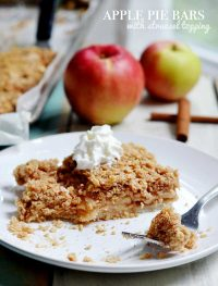 easy Apple Pie Bars – with crumble topping