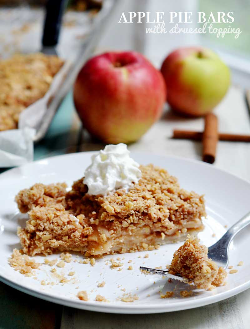 apple-pie-bars-with-struesel-topping